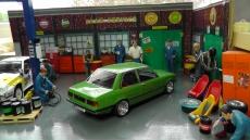 BMW 318i (E21), 1975, green mit BBS E 49 Echtalufelgen  1:18