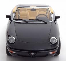 Alfa Romeo Spider mit abnehmbarem Softtop 1:18 in schwarz