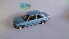 BMW 3 (E21), 1975, bluemetallicmit BBS E49 Echtalufelgen  1:18
