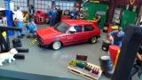 VW Golf I GTI, Rot , 1982 mit BBS ähnlichen Felgen 1:18