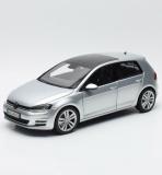 VW Golf VII - silver  Dealermodel 1:18