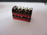 1 Bier Kiste mit 14 Fläschchen für Modellbau / Dioramabau im Maßstab 1:18